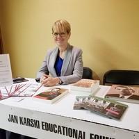 Bożena U. Zaremba at the JKEF's table with the Karski related educational materials (Photo: Aleksandra Cummings)