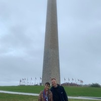 Izabela Hrynek and Daniel Szczęsny at the Washington Monument (Photo: Courtesy of Daniel Szczęsny)