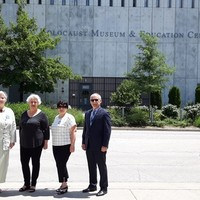 In front of the Holocaust Museum & Education Center. From the left: Marek Adamczyk, Helena Sołtys, Bożena Nowicka McLees, Bernadetta Manturo, and Tadeusz Młynek (Photo: Piotr Gębała)