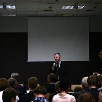 Ryszard Podkowa, representing the Warsaw Bureau of Tourism, presenting the new app  (Photo: Antoni Szczepański)