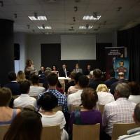 Ewa Junczyk-Ziomecka, President of Fundacja Edukacyjna Jana Karskiego talks to the audience (Photo: Antoni Szczepański)