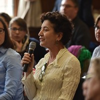 Shana Penn, Executive Director of Taube Philanthropies and a visiting scholar at the Graduate Theological Union Center for Jewish Studies in Berkeley asking questions at the 4th PJSW (Photo: Peter Smith)
