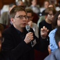 Michał Bilewicz of the University of Wrocław asking questions at the PJSW  (Photo: Peter Smith)