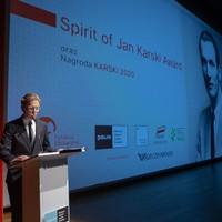 Prowadzący uroczystość wręczenia nagród, aktor Jakub Gierszał (Fot. Ewa Radziewicz)