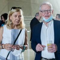 Maria Dzieduszycka z Fundacji im. Zbigniewa Herberta z redaktorem Maciejem Wierzyńskim (Fot. Ewa Radziewicz)