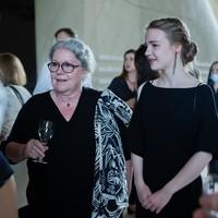 Najmłodsza laureatka Karski2020, Urszula Woźniak, z Martą Ruszecką, lekarką z Nysy, która zgłosiła ją do nagrody (Fot. Ewa Radziewicz)