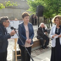 Marian Turski, Vice-President of the Association of the Jewish Historical Institute of Poland, Hanna Gronkiewicz-Waltz, President of the City of Warsaw, and Ewa Junczyk-Ziomecka, President of Fundacja Edukacyjna Jana Karskiego  (Photo: Antoni Szczepański)