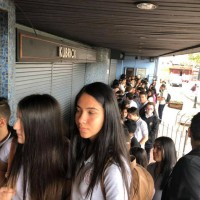Students lining up to see Karski & The Lord of Humanity in San Jose, Costa Rica (Photo: Courtesy of Slawomir Grunberg)