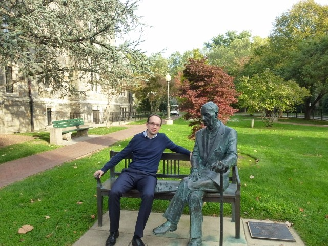 Rafał Siemianowski on Karski Bench at Georgetown University (Photo: courtesy of Rafał Siemianowski)