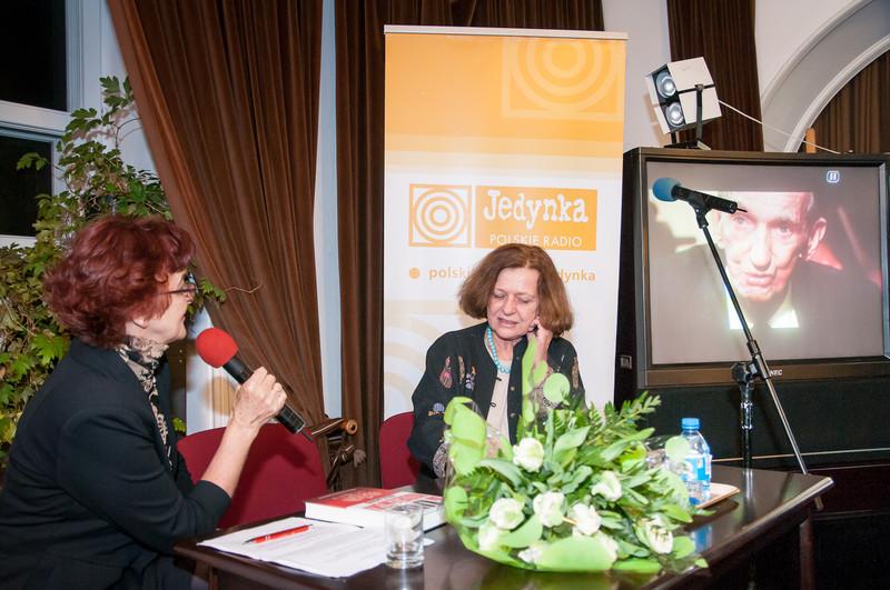 Ewa Junczyk-Ziomecka oraz Irena Piłatowska-Mądry w czasie rozmowy o Janie Karskim