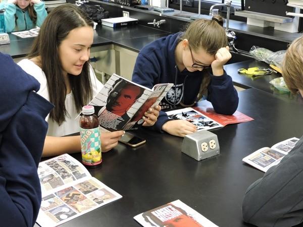 "Jan Karski Polish School students reading ""Karski's Mission: to Stop the Holocaust"" (Photo: Marek Adamczyk)"
