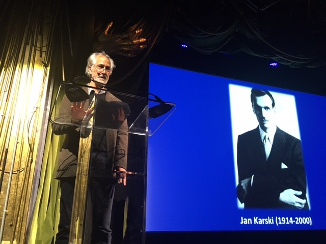 Academy Award-nominated actor David Strathairn introduces Jan Karski to the FASPE Gala guests (Photo: Ewa Junczyk-Ziomecka)