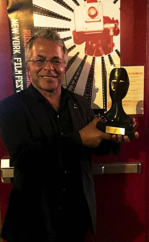 Director Sławomir Grünberg with the award (Photo: Courtesy of Sławomir Grünberg)