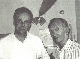 Andrew Nagorski and Jan Karski in 1999 (Newsweek's In-House Newsletter, May 12, 1999)