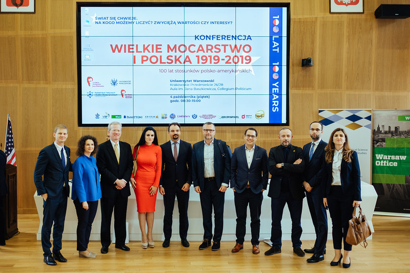 Georgetown Leadership Seminar alumni with its Director James P. Seevers at the conference The Great Power and Poland at the University of Warsaw on October 4, 2019 (Photo: Przemek Bereza)