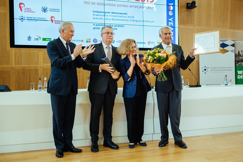 Professor Peter F. Krogh (on the right) accepting the Spirit of Jan Karski Award. From the left: Andrzej Rojek, Chair of the Board of the Jan Karski Educational Foundation, Michał Mrożek, member of the Board of the Jan Karski Educational Foundation, and Ewa Junczyk-Ziomecka, President of Fundacja Edukacyjna Jana Karskiego (Photo: Przemek Bereza)