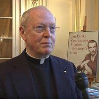 Przyjaciel Karskiego O. O'Donovan wygłosi inwokację na inauguracji Joe Bidena